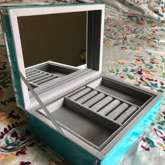 Other - Like New Turquoise Mirrored Jewelry Box